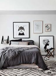 chambre blanche et grise chambre coucher mur galerie et galerie avec étourdissant chambre
