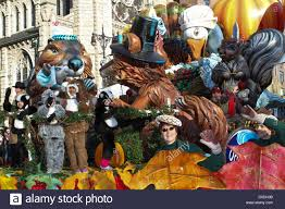 animals decorate the spray float in macy s thanksgiving day