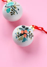 10 minutes or less diy temporary ornaments the crafted