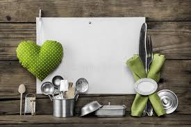 vieux ustensiles de cuisine carte de menu avec de vieux ustensiles de cuisine plaquette blanche