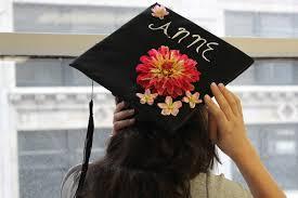 graduation caps decorations how to decorate a graduation cap with flowers petal talk