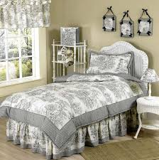 Ruffled Bed Set Country Bedroom Furniture Country Bedding Ideas
