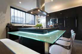 cuisine ilot central cuisson cuisine ouverte moderne chic domozoom com