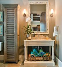 original décor ideas in the bathroom how to keep your towels