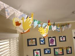kids bathroom idea with colorful curtain and wall art idea playuna