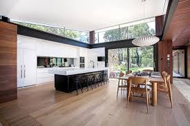 habillage mur cuisine decoration habillage bois sol mur plafond cuisine blanche ouverte