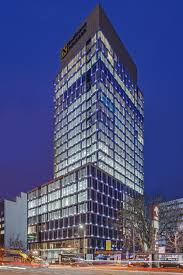 Unitized Curtain Wall Office Tower Integrates 1500 Linear Feet Of Led U0027s With Unitized