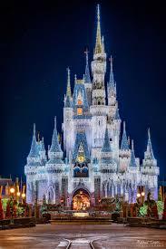 How Long Does Disney Keep Christmas Decorations Up Cinderella Castle Telephoto Dreamlights Cinderella Castle