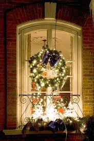 Outside Window Sill Christmas Decorations by Christmas Window Decoration Ideas