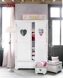 chambre fille blanche chambre enfant armoire enfant blanche coeurs chambre fille