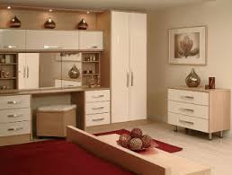 Bedroom Decoration Ideas Red Creamy Bedroom Theme Design With Red - Red and cream bedroom designs