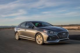hyundai motor america takes home two 2017 ruedas espn awards