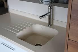 resine plan de travail cuisine cuisine plan de travail évier et vasques en v korr
