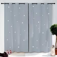 rideau occultant chambre bébé paire de rideaux gris étoiles blanches rideau enfant chambres
