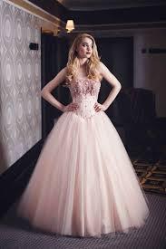 rosa brautkleid brautkleid in rosa mit perlen bestickt maßanfertigung kleiderfreuden