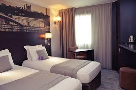 chambre 2 lits les chambres hotel lyon sud est lit chambre standard