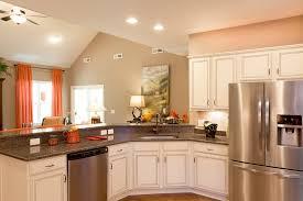 cuisine peinte cuisine cuisine bois peint avec clair couleur cuisine bois peint