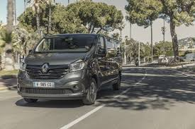 renault trafic 2017 renault trafic spaceclass launches in the uk as a high end shuttle