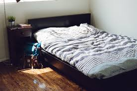 Ground Bed Frame High Vs Low Bed How High Should A Bed Be From The Ground
