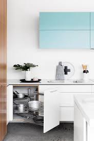 witte keuken met handige uitdraaikast kl inspiratie witte