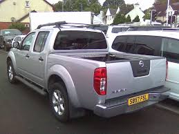 used nissan navara pickup 2 5 dci outlaw king cab pickup 4dr in