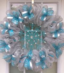 winter decorations how to make mesh wreath blue white deco mesh