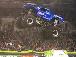 bigfoot monster truck teams defend 2014 racing series titles