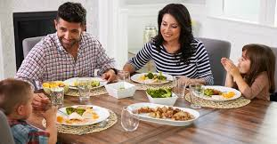 how to encourage your family at the dinner table christian