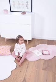 tapis pour chambre de bébé chic tapis chambre bébé fille tapis nuage pastel pour chambre