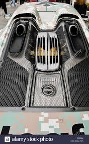 porsche 918 spyder engine porsche 918 spyder plug in hybrid hypercar 887 hp 652 kw top