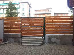 ringhiera in legno per giardino recinzioni in legno per giardini