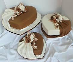 heart shaped wedding cakes heart shaped cake 79 cakes cakesdecor