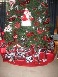 Zebra Print Christmas Tree Decorations by Simple Red And White Christmas Tree With A Fun Zebra Twist