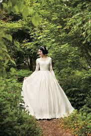 princesses wedding dresses look at these gorgeous disney princess wedding dresses