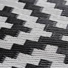 Black And White Striped Outdoor Rug by Black And White Outdoor Rug Home Design Ideas And Pictures