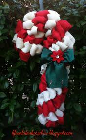 burlap candy cane wreath tutorial using pool noodle i u0027m ready for