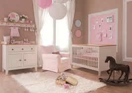 chambre de fille bebe decoration pour chambre fille bebe