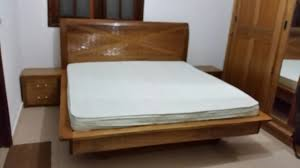 chambre a chambre à coucher en bois djibouti lit 2 tables de chevet