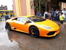 crashed lamborghini wife of mla in mumbai crashes brand new lamborghini into rickshaw