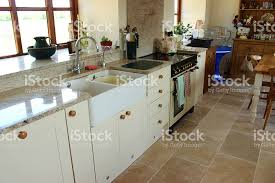cream shaker kitchen granite worktopsurface gas range cooker