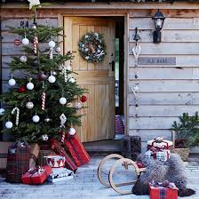 Christmas Decoration For Entrance by Country Christmas Decorating Ideas Outdoor Christmas Christmas