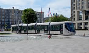 bureau change le havre file tramway place de l hotel de ville du havre dsc 0871 jpg