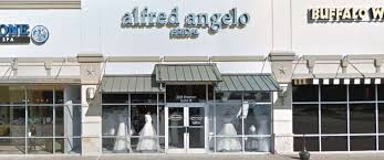 Bridal Stores Popular Bridal Dress Chain Abruptly Closes Stores Leaving Some