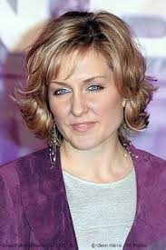 amy carlson new short haircut on blue bloods the real reason amy carlson left blue bloods celebrities