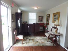 Wel e to A Southern Touch Antiques & Home Décor located in