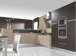 cuisine beige laqué cuisine équipée laqué mat tons marron taupe beige cuisiniste neha 76