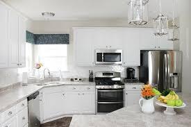 meuble blanc de cuisine cuisine blanche et inox idées et astuces en 90 photos archzine fr