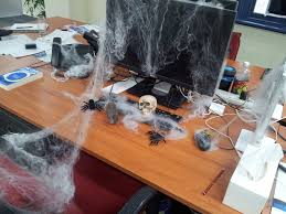 office 4 inexpensive interior halloween decoration ideas