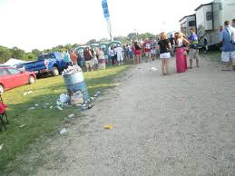 Jimmy Buffet Alpine Valley by 2 Hours To Concert And The Single Garbage Can Overflowing