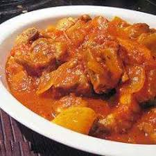 cuisiner travers de porc recette travers de porc à la sauce tomate toutes les recettes